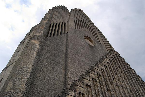 Церковь Грундтвига в Копенгагене (7)