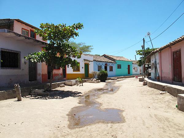 Город-остров Мескальтитан в Мексике  (8)