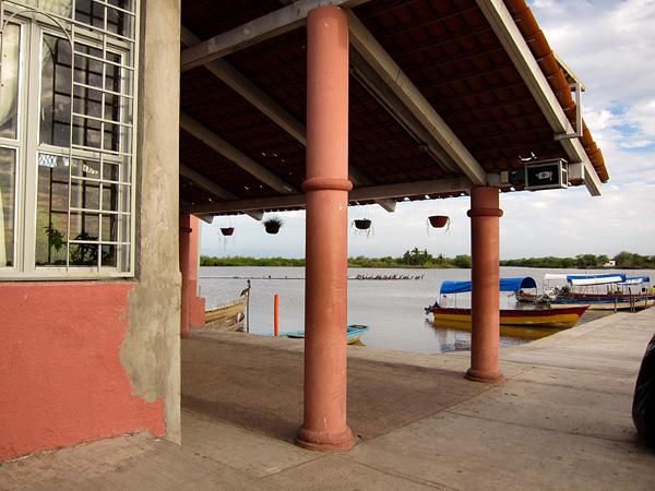Город-остров Мескальтитан в Мексике  (12)