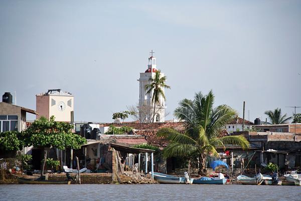 Город-остров Мескальтитан в Мексике  (1)