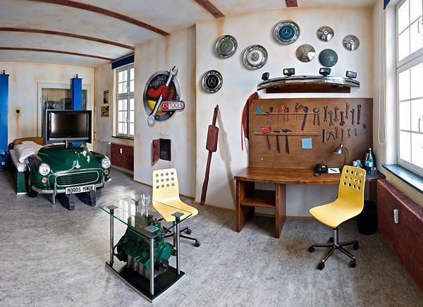 Отель V8 для любителей автомобилей в Штутгарте