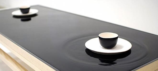 Чайный столик с эффектом водной глади (3 фото)