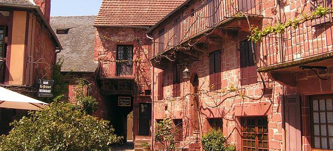Французская деревня Колонж-ля-Руж (13 фото)
