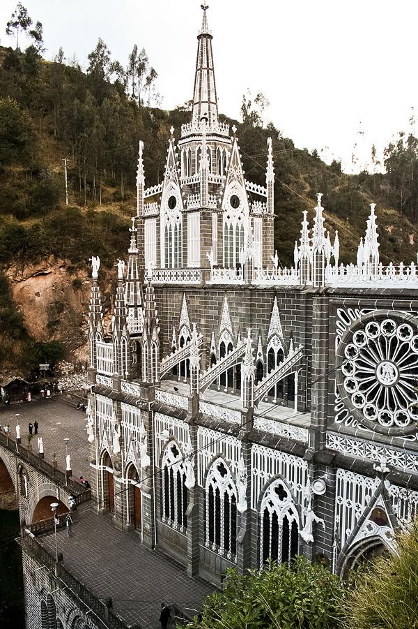 Красивейшая католическая церковь Лас-Лахас