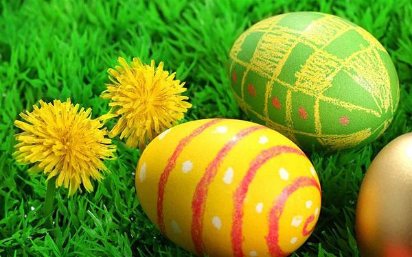 Красивые крашенные пасхальные яйца