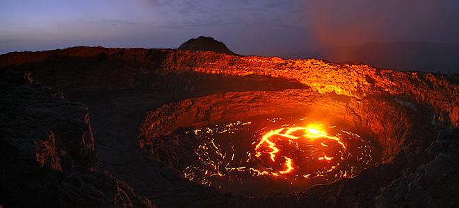 Лавовое озеро вулкана Эрта Але (11 фото)