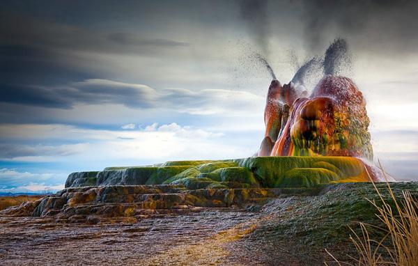 Невероятный гейзер Флай в штате Невада
