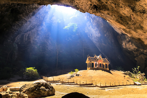 Пещера Прая Након и павильон Куха Карухас