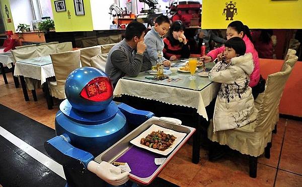 Ресторан роботов в китайском городе Харбин