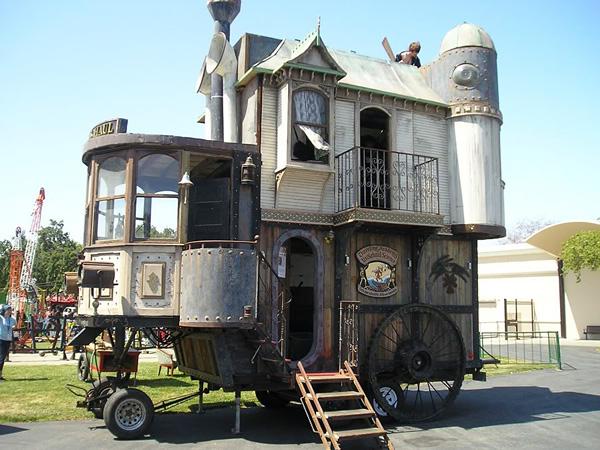 Необычный дом на колесах Neverwas Haul