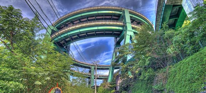 Винтовой мост Кавазу-Нанадару в Японии (5 фото)