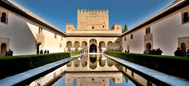 Дворец Альгамбра (11 фото)