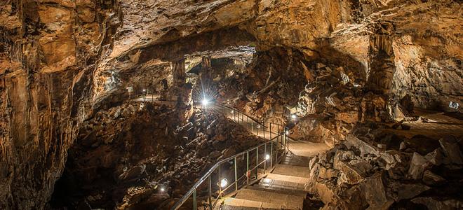 Пещера Сыева дыра в Болгарии (13 фото)