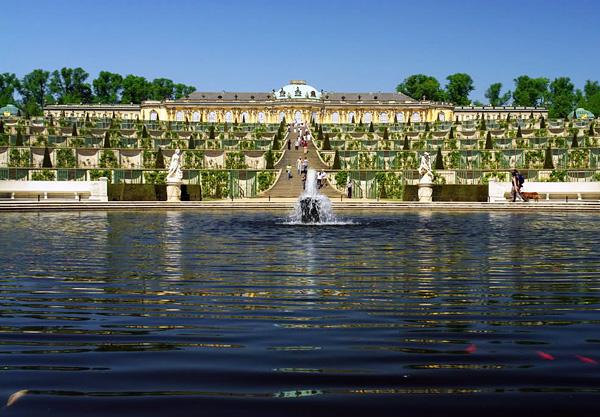 Дворец и парк Сан-Суси в Потсдаме