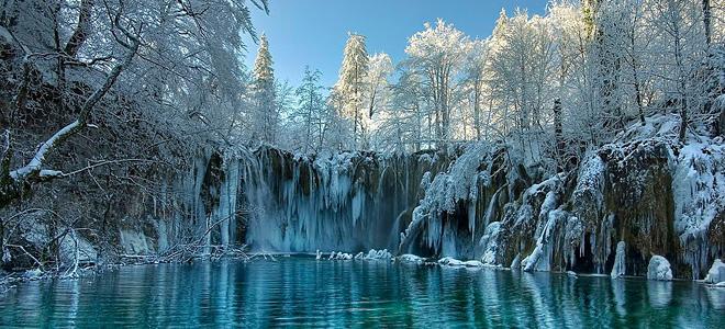 Замерзшие водопады — застывшая сказка (9 фото)