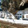 Сетениль-де-лас-Бодегас — город лежащий под скалой (9 фото)