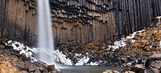 Удивительный водопад Свартифосс в Исландии (11 фото)