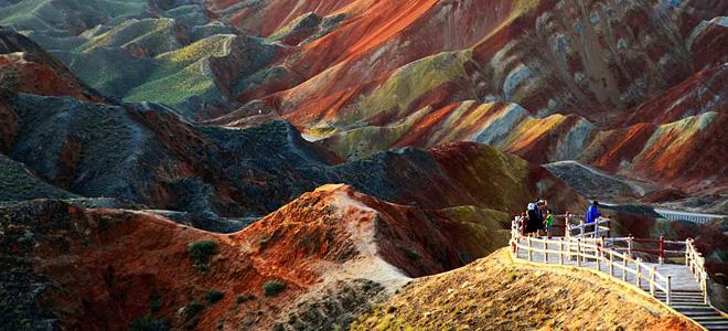 Ландшафт Дэнксия — цветные горы в Китае (9 фото)