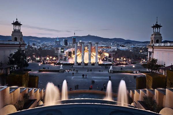 Магический фонтан Монжуик в Барселоне