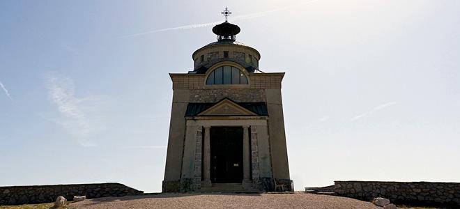 Мемориальная церковь Императрицы Елизаветы (3 фото)