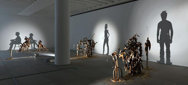 Скульптуры из света и тени (7 фото)