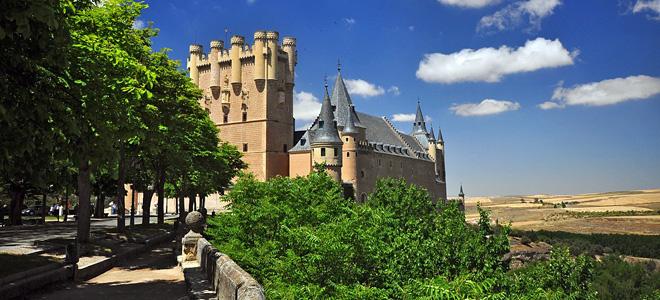 Величественный замок Алькасар в Сеговии (11 фото)