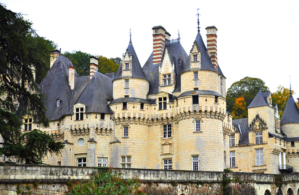 Замок Юссе во Франции