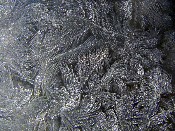 Красота зимних узоров на стеклах (1)