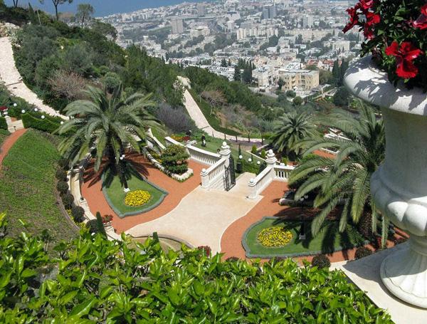 Сады Бахаи на склоне горы Кармель