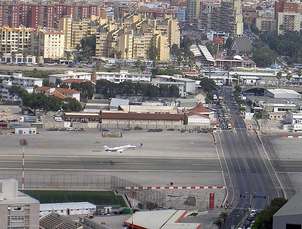 Гибралтарский аэропорт Норт Фронт