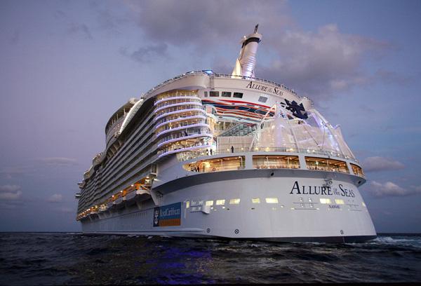 Круизный лайнер Allure of The Seas