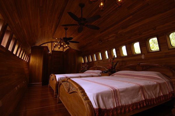 Отель, когда-то летавший в небе