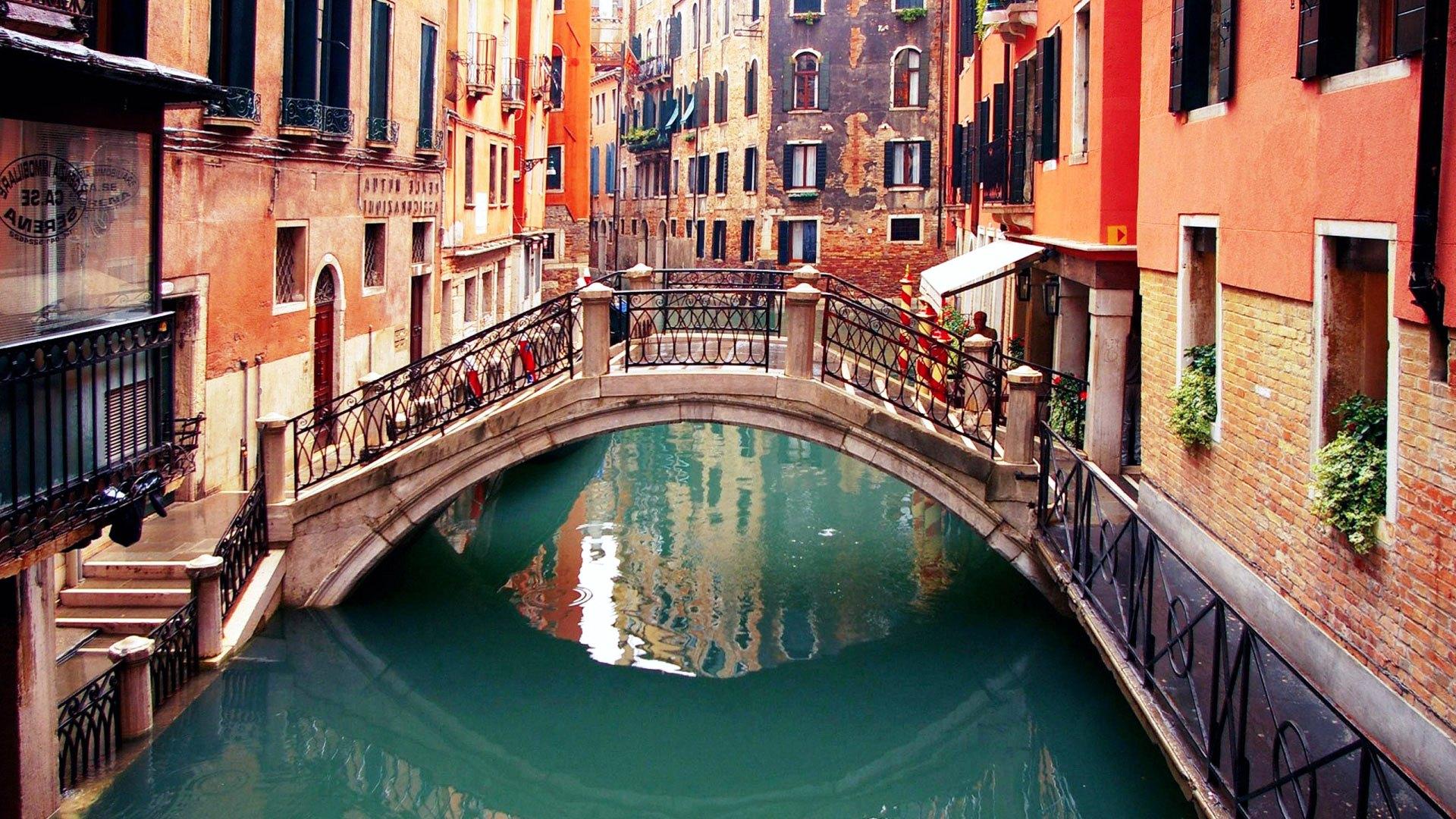 Venice-Bridge (4)
