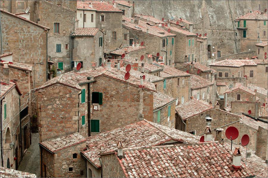 92569198_large_sorano_italiya_foto_2