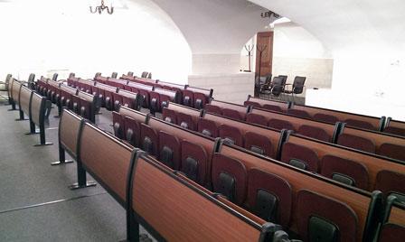 Современные кресла для театра