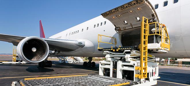 Авиаперевозки грузов и некоторые летные традиции